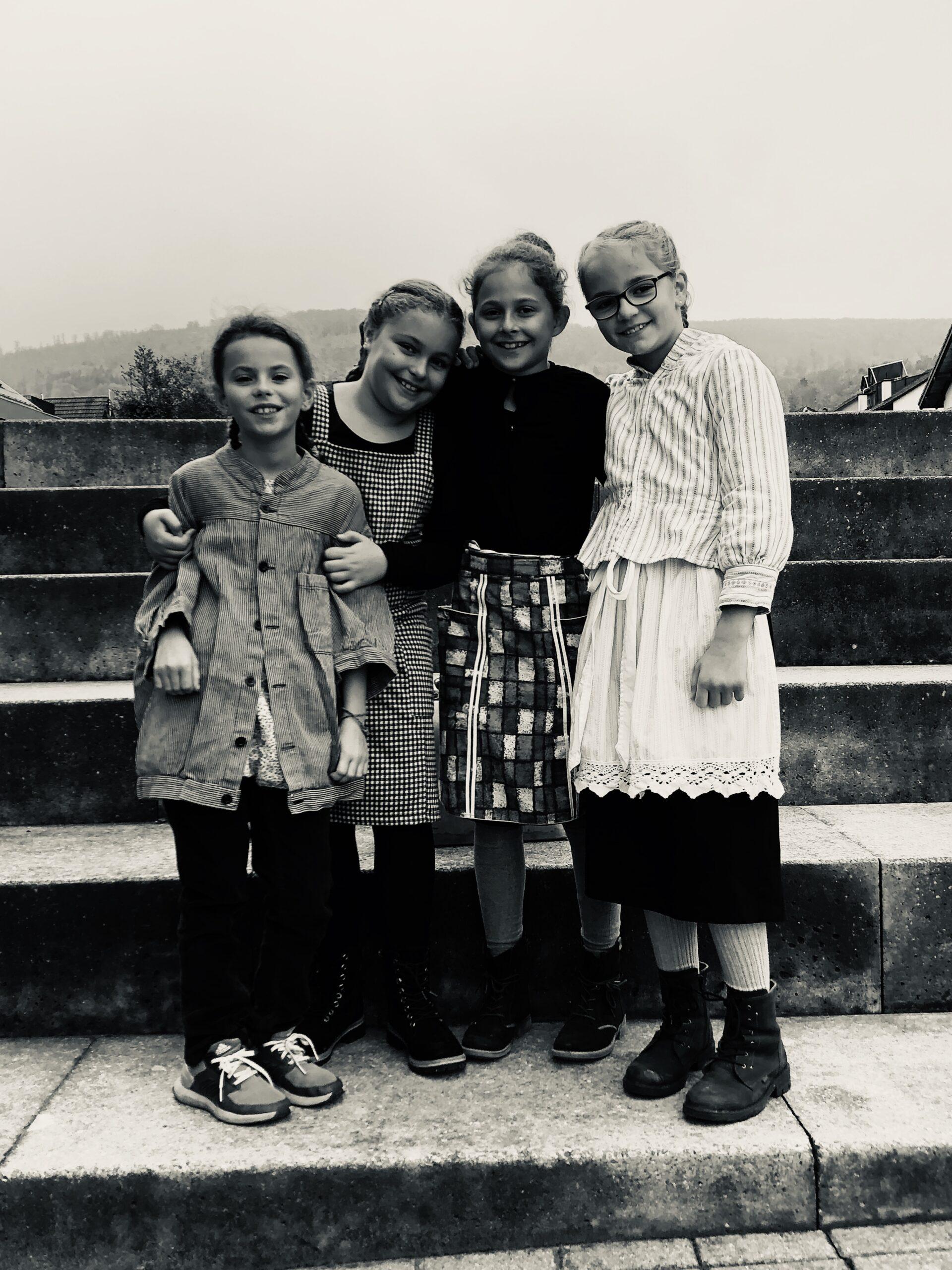 Schule früher - ein Morgen 4a, 4b, 4c_3